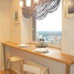 подоконник кухонный стол